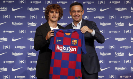Photo gallery: Amusing ways to unveil a transfer