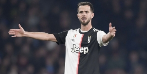 Report: Juventus in talks with Chelsea over Pjanic-Jorginho swap deal