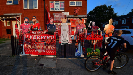 Look: Plenty of fans ignore social distancing to celebrate Reds' win